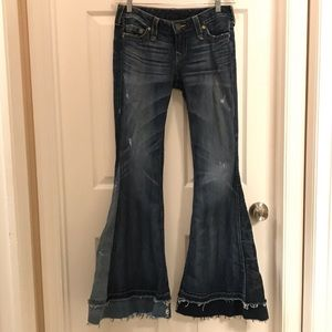 True Religion flare distressed jean/Carrie 29